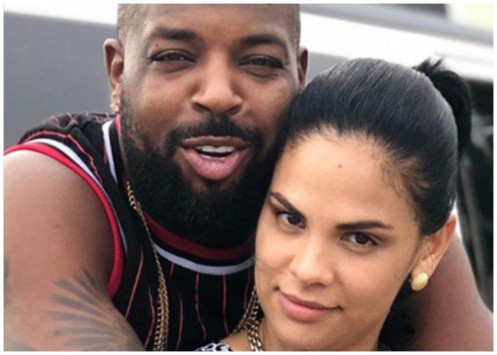 Cantante cubano El Micha junto a su esposa