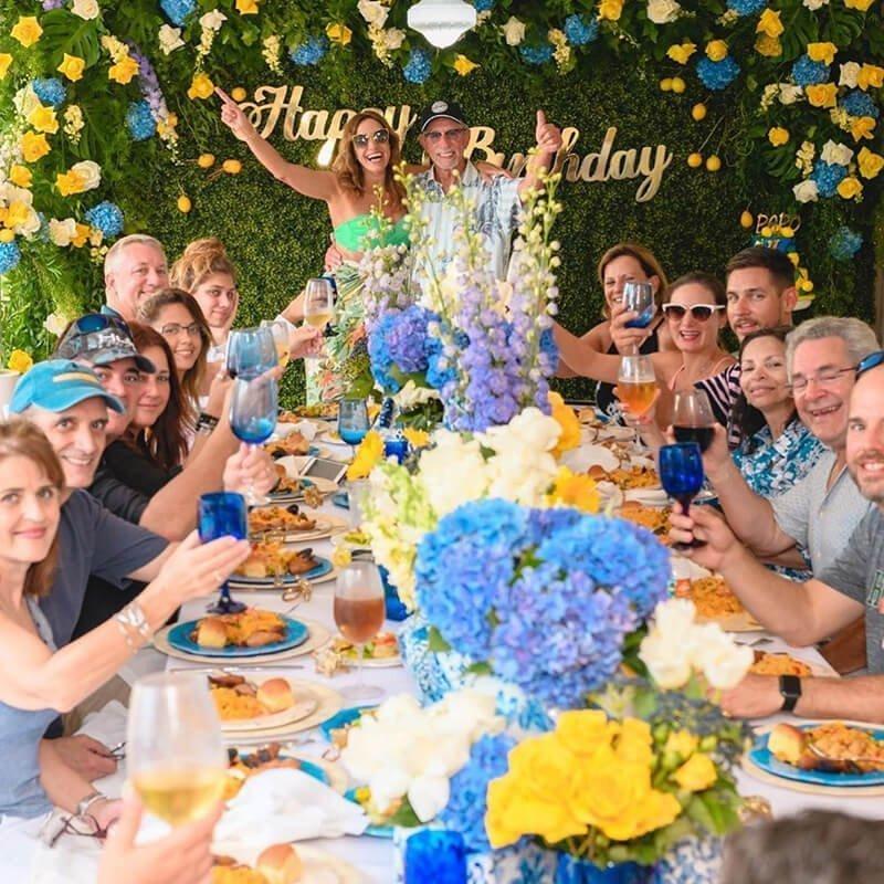 La familia Estefan estuvo muy contenta celebrando este cumpleaños tan especial