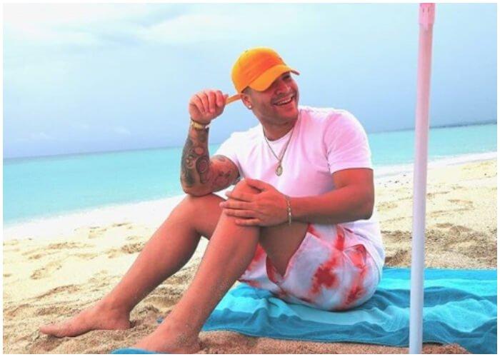 Yomil se toma una semana de vacaciones y relax