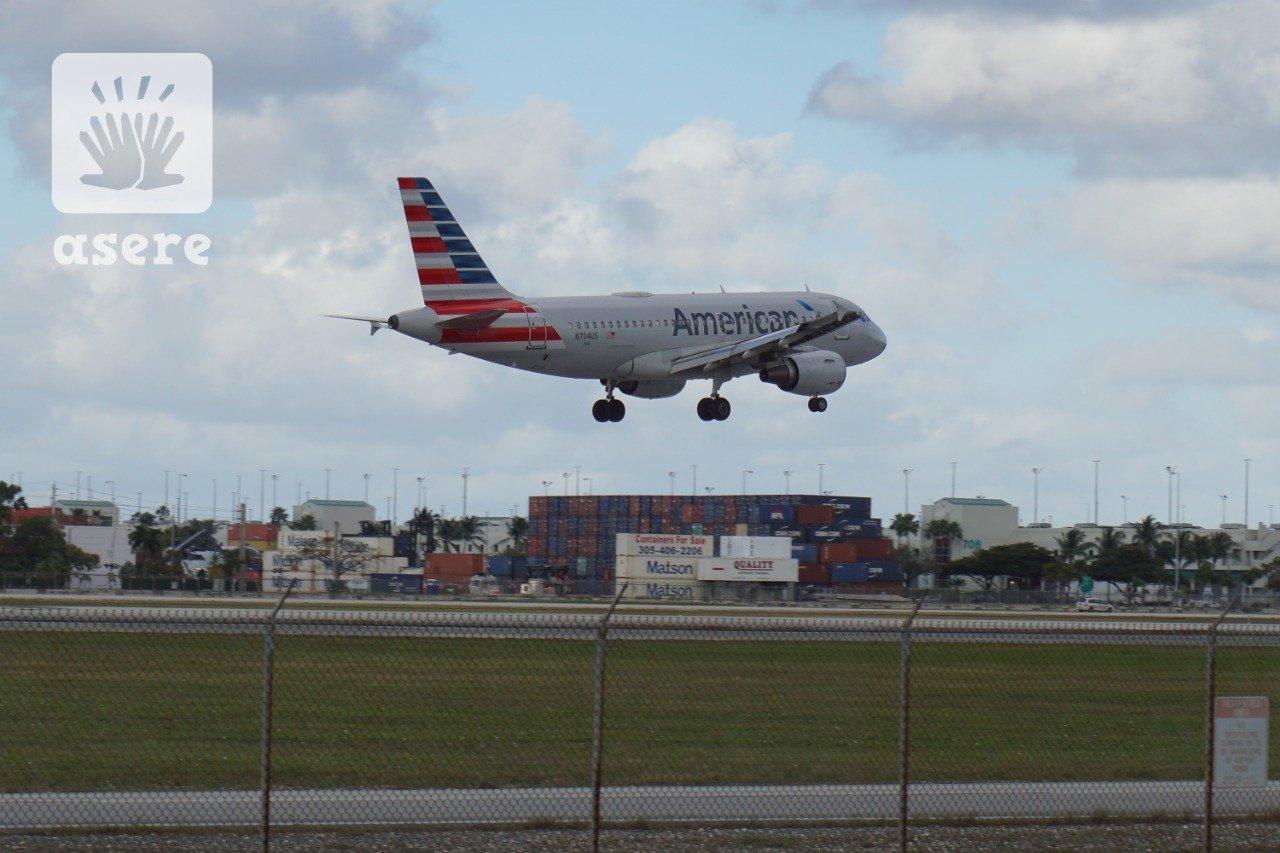 Condado de Miami-Dade pide suspender todos los vuelos a Cuba por el coronavirus