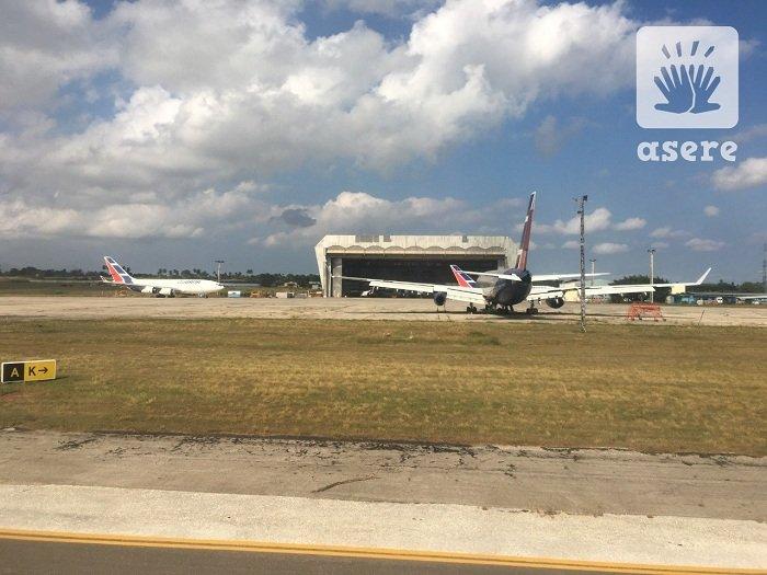 Grupo de 100 cubanos regresan a La Habana tras quedarse varados en México