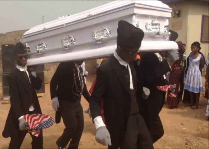 Bailarines fúnebres de Ghana