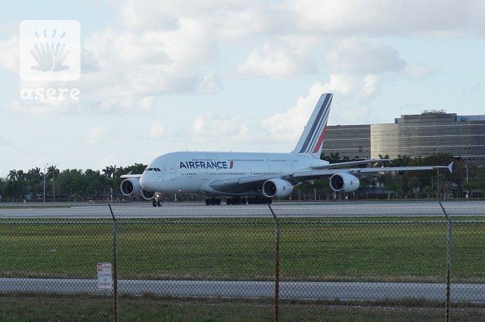 """Air France anuncia """"vuelo especial"""" entre La Habana y París"""