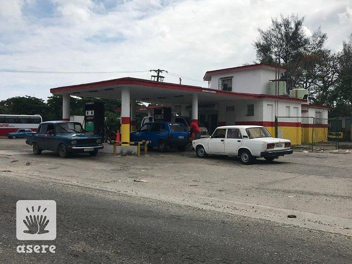 Pago de combustible en Cuba seguirá siendo en efectivo hasta diciembre